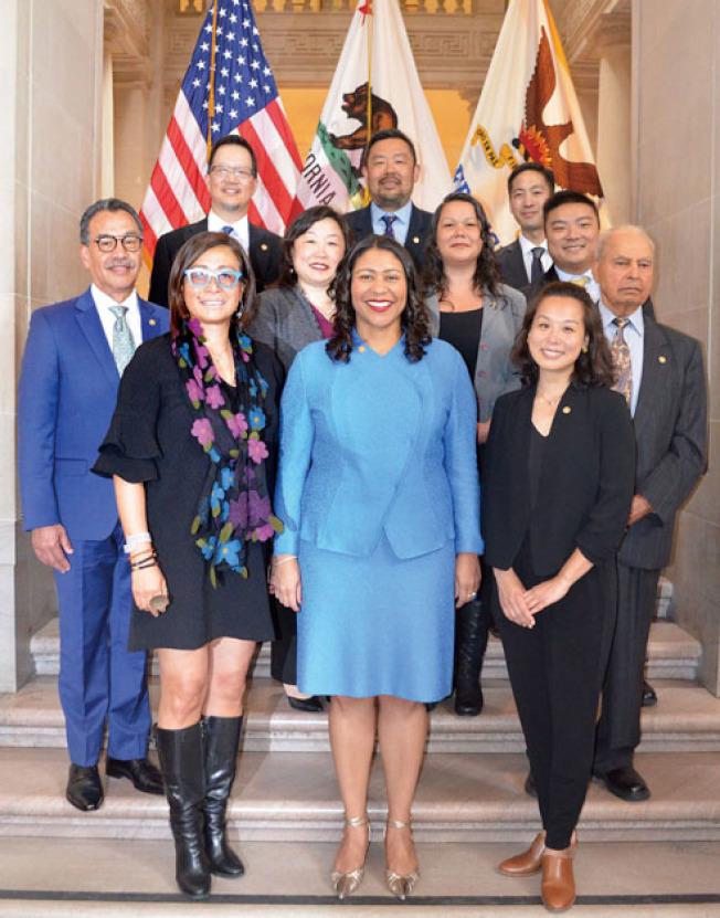 API專員宣誓就職。(照片由市長辦公室提供)