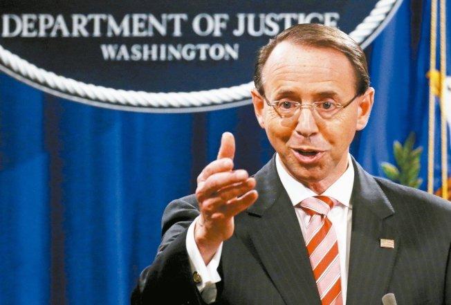 美國司法部副部長羅森斯坦(見圖)29日向川普總統提出提出辭呈,將在5月11日離職,結束兩年來因特別檢察官穆勒的調查引發激烈抗爭,使他陷入的動盪事業生涯。 路透
