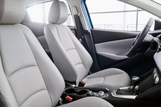 2020年式美規Toyota Yaris Hatchback 內裝。(Toyota)