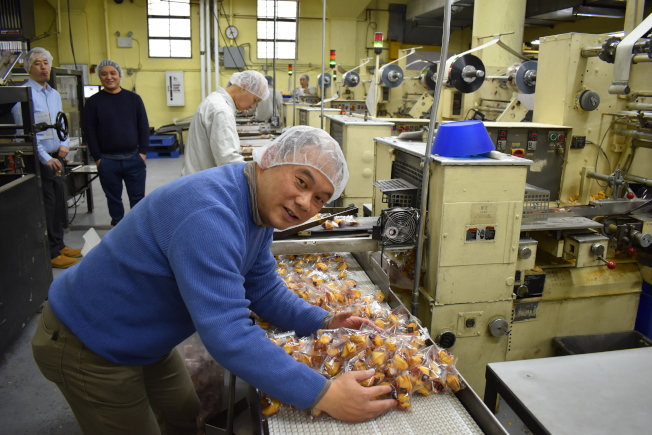黃本立說,公司的籤語餅銷售涵蓋全美,其中以東北區為最大市場。(記者顏嘉瑩╱攝影)