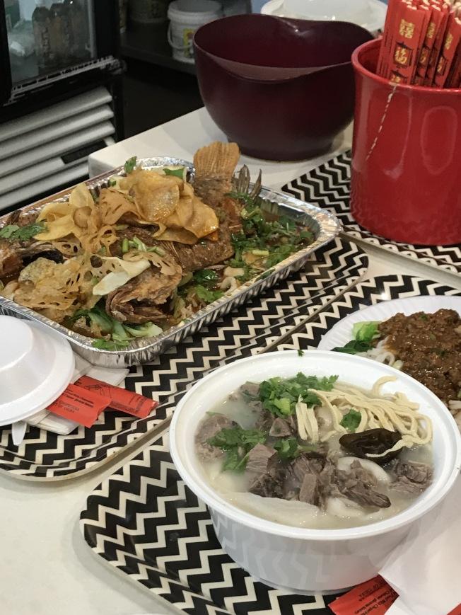 美食城是集中呈現中國美食文化的平台,各種風味齊聚,圖為「新世界美食城」。(記者劉大琪/攝影)