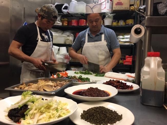 洛杉磯的川菜師傅們不斷推陳出新,讓老饕們舌尖上的麻辣常吃不厭。(楊青/攝影)