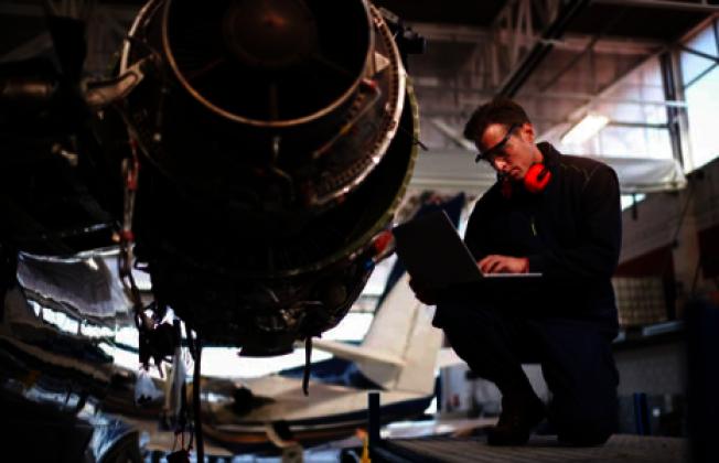 電子工程師職位需求增加,薪資前景備受看好。(Getty Images)