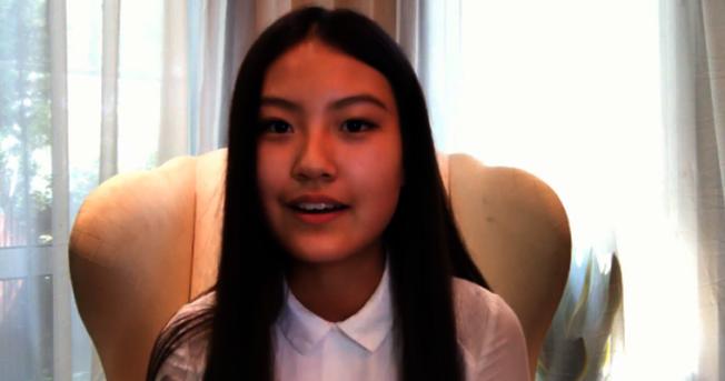 趙雨思2017年7月曾在網上直播,分享她如何「橫掃美國高考」的經驗。(取自微博)