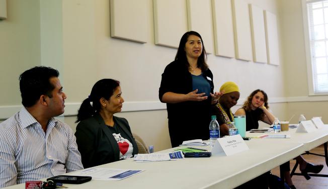 泛亞社區服務中心副執行長維多莉亞.黃(Victoria Huynh)提出人口普查面臨的挑戰。