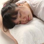 當心!睡覺有這習慣 加速皮膚老化