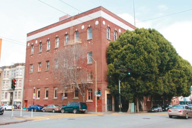 位於米慎區的舊金山勞工大樓,記載著1938年金山華人首次參與罷工的歷史。(本報資料照片)