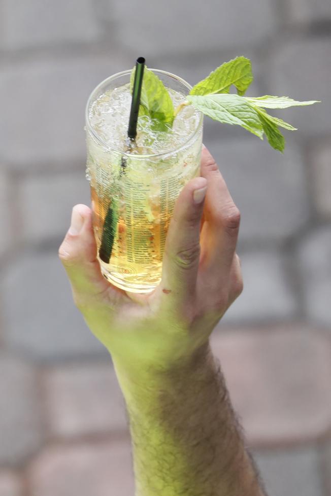 薄荷朱利雞尾酒是今年的流行。(美聯社)