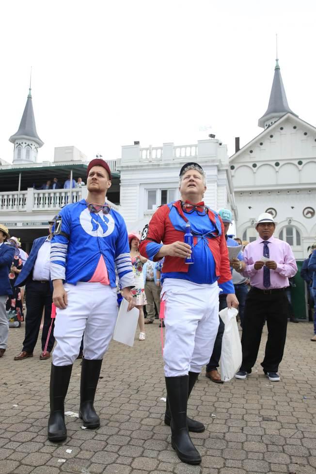 馬迷也穿著騎師的服飾到場。(Getty Images)