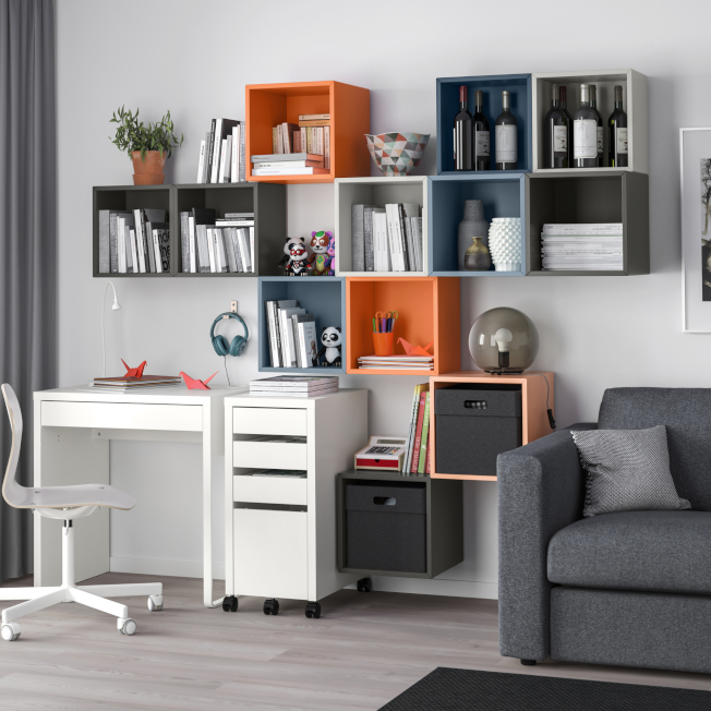EKET收納櫃擁有多種色彩及不同組合,可安裝在牆上或堆疊設置,依個人需求靈活變化。(圖:IKEA提供)