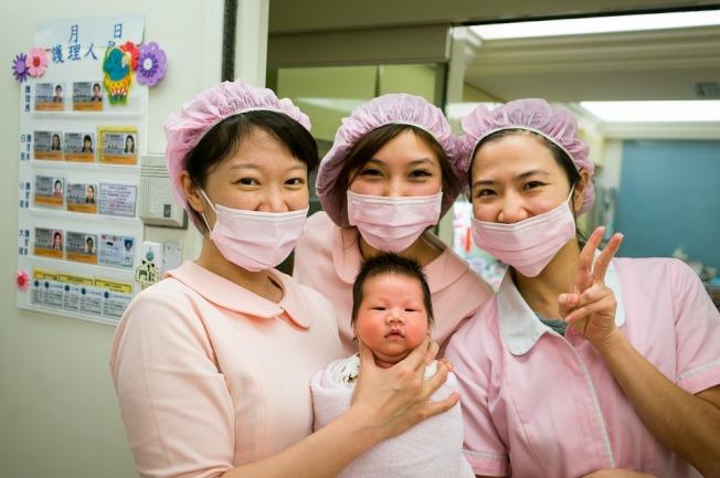 護士為「機會職業」中,最容易找到不錯薪資的行業之一。(Pixabay)