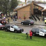 丹佛驚傳校園槍擊 1死7傷 2學生槍手被捕