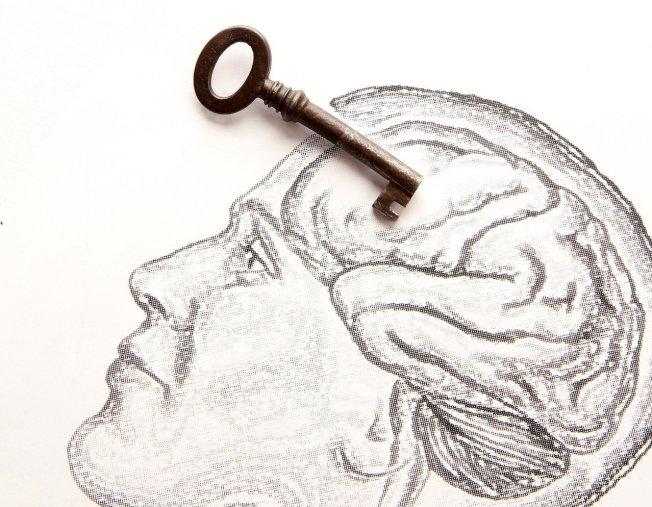 記憶力衰退是一種正常老化的現象,未必是罹患失智症。(本報資料照片)