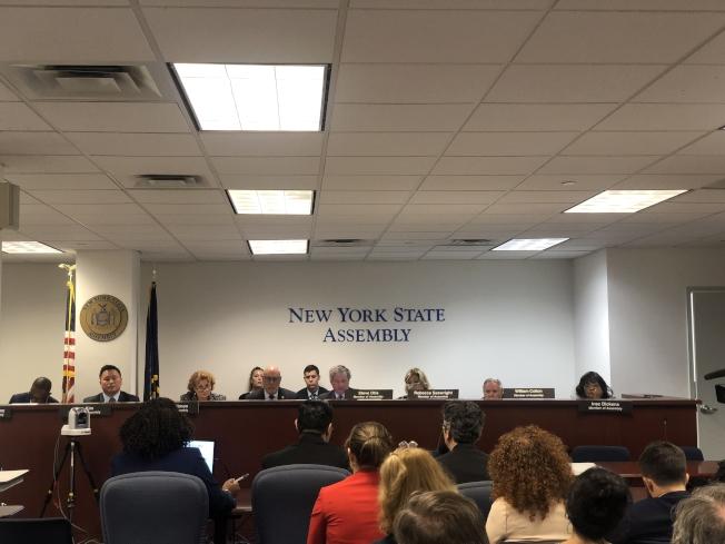 紐約州議會即特殊高中改革問題舉行公聽。(記者張晨/攝影)
