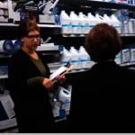 網紅假扮經理 惡整Walmart員工:你被炒魷魚了 遭撻伐