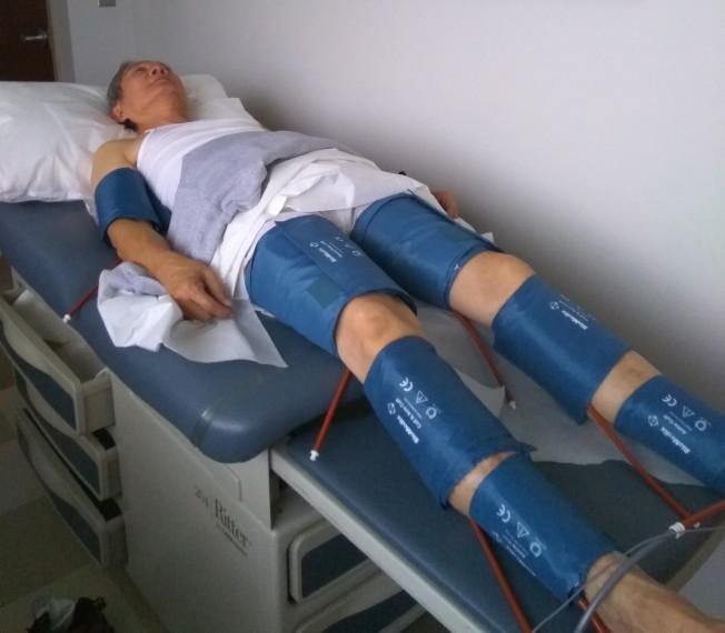 準備做踝肱指數測試。(圖:作者提供)