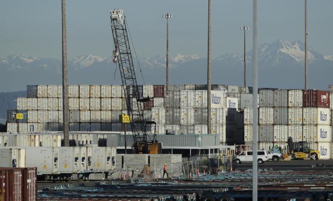 美西大港西雅圖市的他柯馬港,是美中主要貨運港。(美聯社)