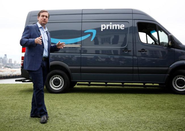 亞馬遜表示,若員工開創貨運事業,將提供送貨用的廂型車和其他福利。   路透