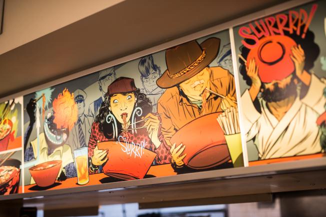 伊凡拉麵旗艦店有日本風格的壁畫。(Daniel Krieger/攝影)