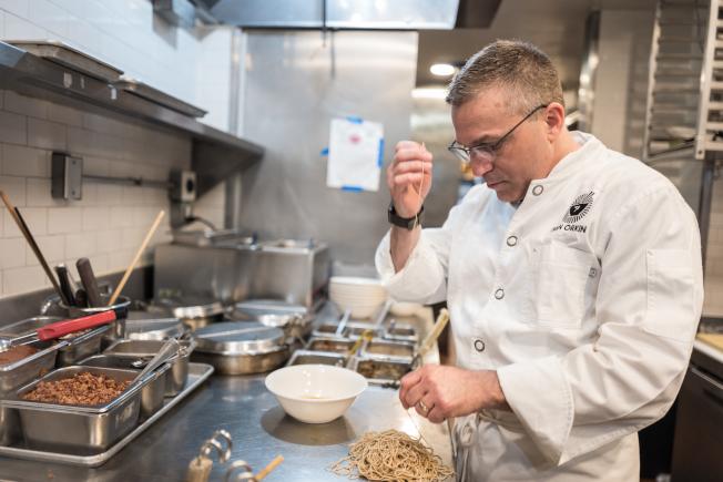 伊凡拉麵的創始人兼大廚是地道的紐約客。(Daniel Krieger/攝影)