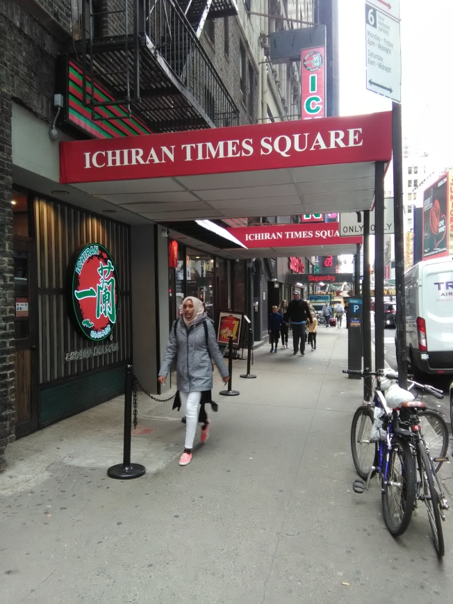 一蘭拉麵開在曼哈頓熱鬧的時報廣場附近。(韓傑/攝影)