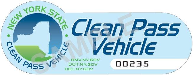 獲得紐約州清潔通行車輛計畫許可證的汽車可不受限制使用長島快速路HOV快速車道。(取自州府網站)