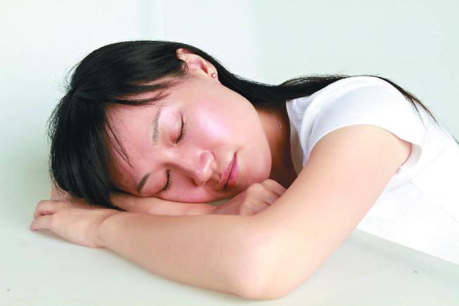 每天午睡一小時,可使大腦年輕五歲。(Getty Images)