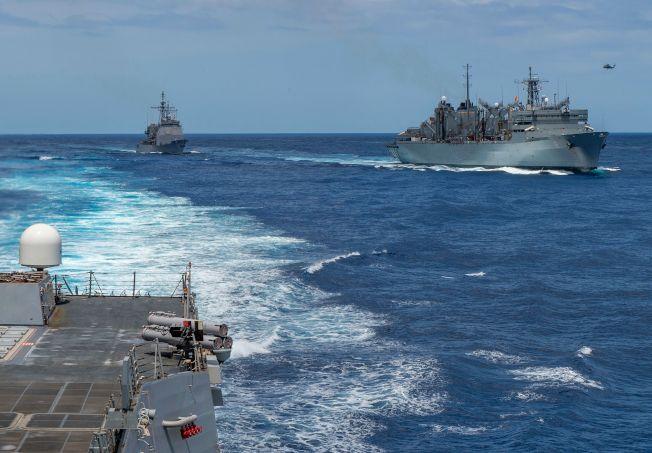 伊朗情勢急劇升高,美國不排除再增兵中東。圖為美國勃克級導彈驅逐艦及補給艦向東地中海集結。(Getty Images)