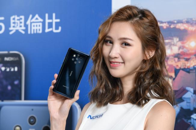 Nokia 9 PureView具備蔡司光學認證的後置5鏡頭,並具備5.99吋2K超高解析pOLED螢幕。(圖:HMD Global提供)