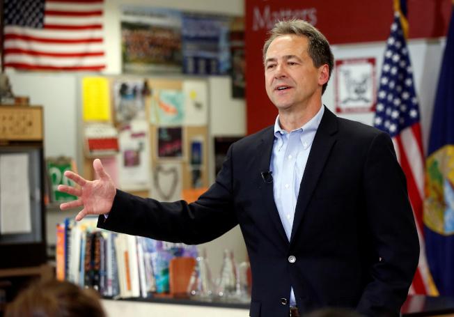 蒙大拿州州長布洛克宣布爭取民主黨2020年總統候選人提名,當天就到州府赫琳娜高中展開競選活動。(路透)