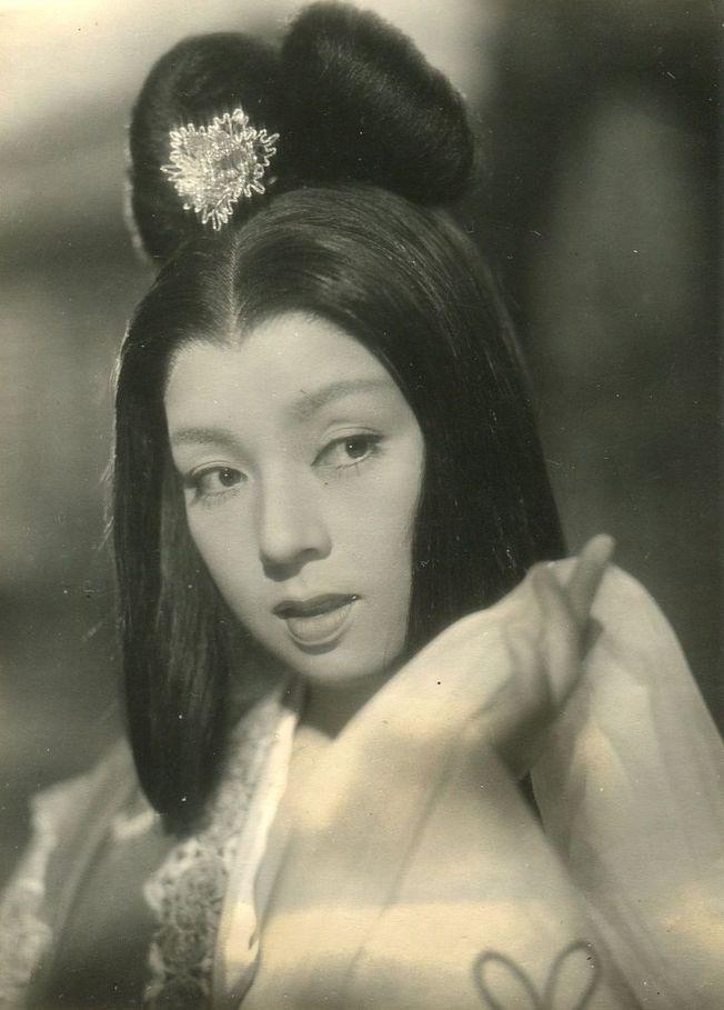 日本老牌女星京町子12日因為心臟衰竭病逝東京,享壽95歲。圖為京町子在電影《楊貴妃》中的劇照。(取材自維基百科)