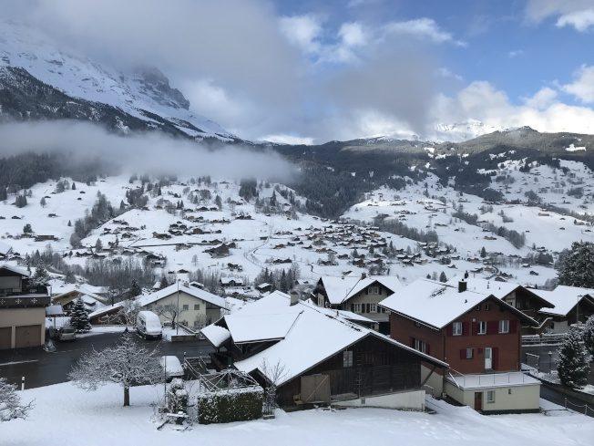 瑞士滑雪、遊湖 品嘗起司、巧克力