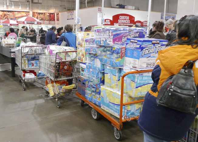 CNBC報導,消費者要視情況消費,因為好市多販售的每一項商品,不一定是買到賺到。路透