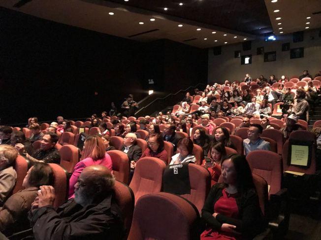 「淪落人」芝城播映,觀眾出席踴躍。(記者董宇/攝影)