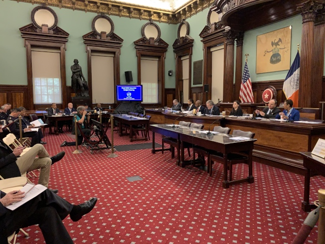 市議會財政委員會與公共安全委員會15日聯合召開公聽會,對市警預算進行聽證。(記者和釗宇/攝影)