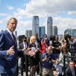 反對白思豪選總統 紐約市民要他先辭市長
