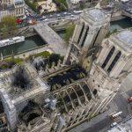 泳池、雷射尖塔、停車場…巴黎聖母院重建「腦洞大開」