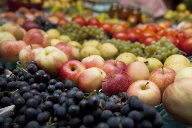 水果含豐富維生素、抗氧化物質,但也含有豐富的單醣,熱量並不低。(美聯社)