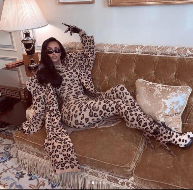 實境節目女星金卡達夏3月穿復古的摩洛哥時裝品牌Azzedine Alaïa到巴黎時裝週。取自kimkardashian | Instagram