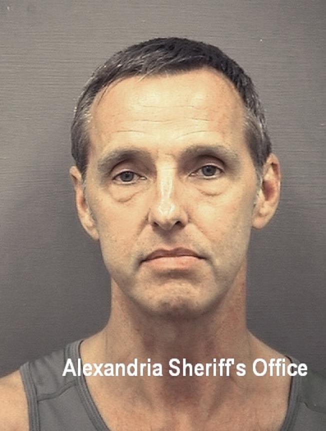 圖為前中央情報員、維州前國務院契約雇員馬洛瑞(Kevin Mallory)因被控替中國從事間諜活動被捕,根據「聯邦間諜法」他可能被判無期徒刑。美聯社