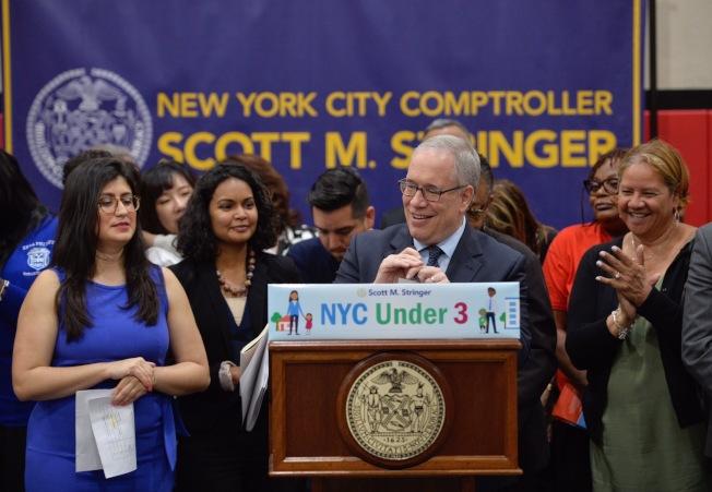 市主計長斯靜格宣布擬定推出兒童保育計畫「三歲以下」。(主計長辦公室提供)