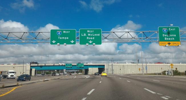 佛州將擴建三條收費快速路,圖為佛州高速公路一景。(記者陳文迪/攝影)