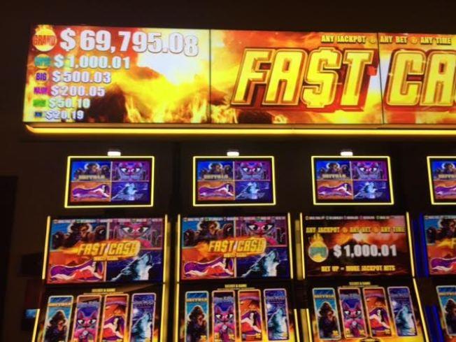 賭場老虎機可能造成部分賭客患賭癮。(記者馮鳴台╱攝影)