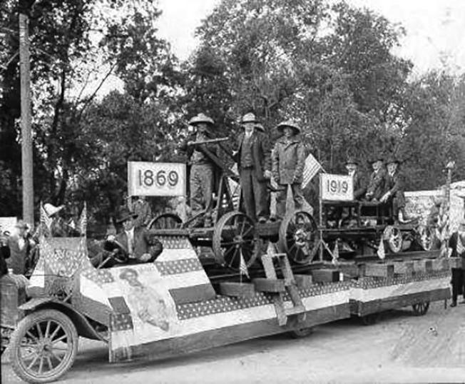 1919年5月10日,50年慶典,首次出現了三名倖存華工的身影。(圖皆為作者提供)