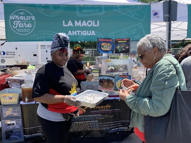 「世界美食節」帶來各國上百種美食。(記者賴蕙榆/攝影)