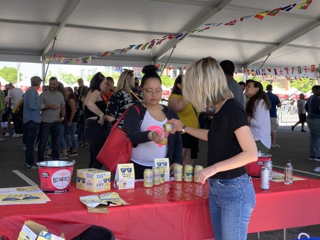 第二屆世界美食節也設有大型國際啤酒花園,提供來自全球的雞尾酒及40多國的啤酒(記者賴蕙榆/攝影)