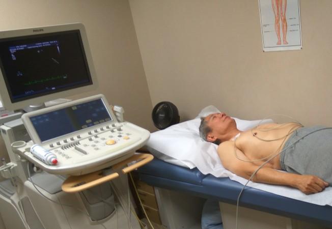 準備做心臓超聲波測試。(圖:作者提供)