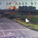 畫面怵目驚心…解放軍軍機墜山東民宅旁 火球濃煙高竄