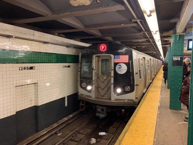 中車公司計畫投資5000萬元,為MTA用更輕的材料設計更具現代操控技術的新車廂。圖為紐約地鐵站。(記者和釗宇╱攝影)