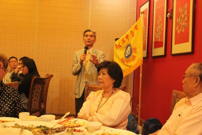 晚宴中薛富盛分享目前中興大學在學術研究及國際合作領域的成績,希望該校成為台灣中部,甚至全台灣的領頭羊。(記者郭宗岳/攝影)